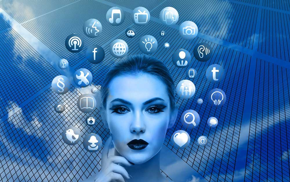 woman-internet